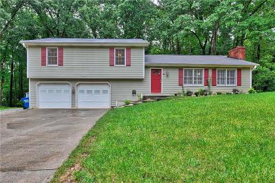 Snellville Single Family Home For Sale: 3160 Woodbridge Court