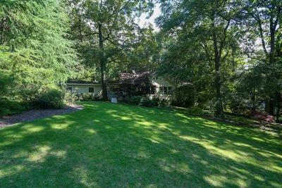 Sandy Springs Single Family Home For Sale: 921 Heards Ferry Road