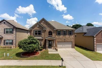 Fayetteville Single Family Home For Sale: 185 Sylvan Loop