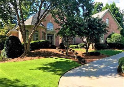 Suwanee Single Family Home For Sale: 6045 Laurel Oak Drive