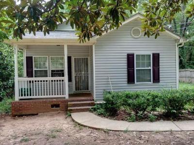 Single Family Home For Sale: 1608 Woodland Avenue SE