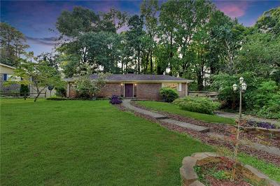 Lilburn Single Family Home For Sale: 562 Dickens Road