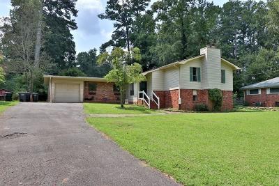 Marietta Single Family Home For Sale: 1942 Darrell Drive