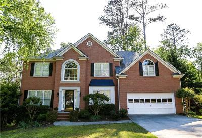 Suwanee Single Family Home For Sale: 10910 Regal Forest Drive