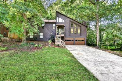 Marietta Single Family Home For Sale: 5067 Ravenwood Drive