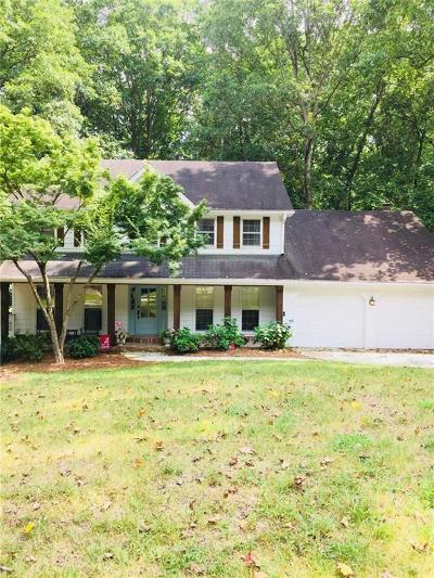 Marietta Single Family Home For Sale: 4666 Amberwood Trail