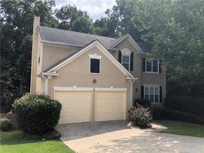 Roswell  Single Family Home For Sale: 1205 Lyndhurst Way