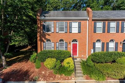 Roswell Condo/Townhouse For Sale: 7814 Saint Charles Square