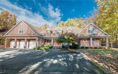 Berkeley Lake Single Family Home For Sale: 3591 Mansions Parkway