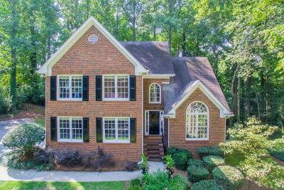 Sandy Springs Single Family Home For Sale: 839 Starlight Circle