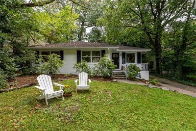 Single Family Home For Sale: 529 E Wesley Road NE