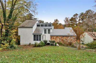 Single Family Home For Sale: 4503 Kings Chase NE