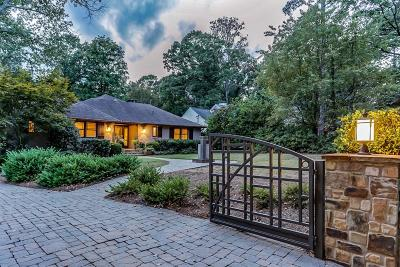 Single Family Home For Sale: 3726 Powers Ferry