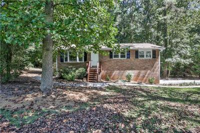 Kennesaw Single Family Home For Sale: 4300 Senoa Drive NW