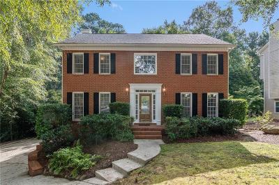 Roswell Single Family Home For Sale: 4381 Burnleigh Chase NE