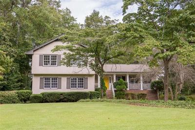 Roswell  Single Family Home For Sale: 250 Pinebrook Way