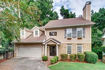 Sandy Springs Single Family Home For Sale: 555 Fountain Oaks Way NE