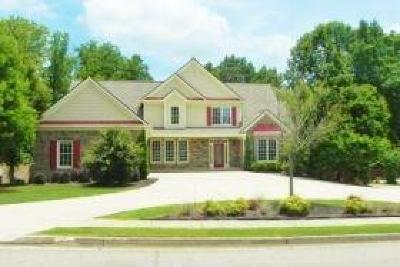 Woodstock Single Family Home For Sale: 207 Autumn Glen Trail