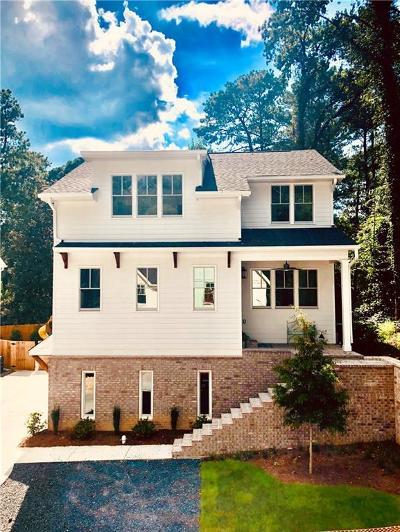 Single Family Home For Sale: 3110 Skyland Drive NE