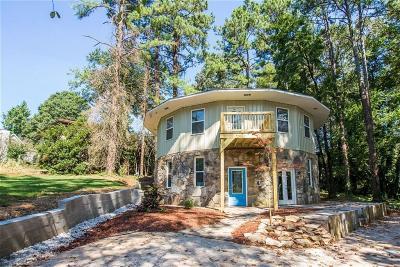 Marietta GA Single Family Home For Sale: $284,000