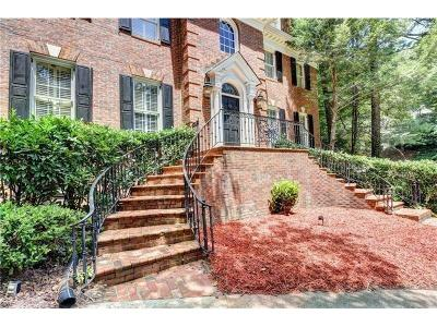 Sandy Springs Single Family Home For Sale: 200 Aerie Court