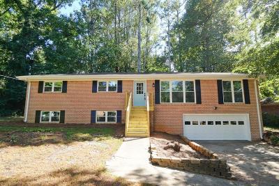 Marietta GA Single Family Home For Sale: $289,000