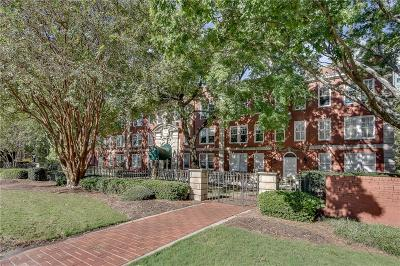 Condo/Townhouse For Sale: 2840 Peachtree Road NW #305