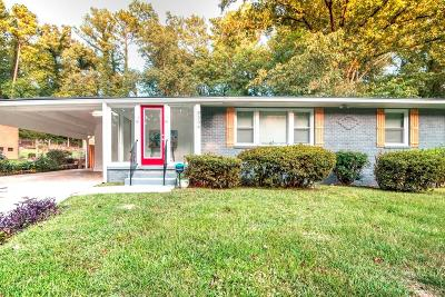 Fulton County Single Family Home For Sale: 2294 Meadow Lane Drive SW