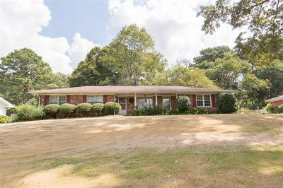 Norcross Single Family Home For Sale: 5922 Meadowbrook