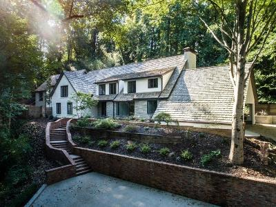 Atlanta Single Family Home For Sale: 450 Valley Road NW