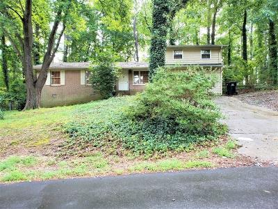 Buford Single Family Home For Sale: 5871 Dolvin Lane