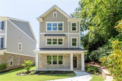 Woodstock Single Family Home For Sale: 306 Southpark Lane