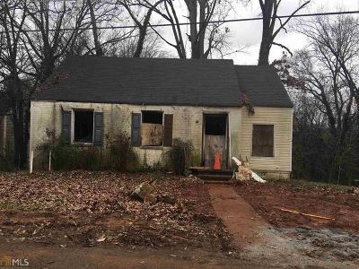 Atlanta Single Family Home For Sale: 1104 Oak Knoll Terrace SE