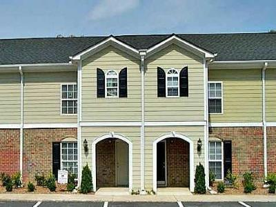 Norcross Condo/Townhouse For Sale: 504 Summer Place