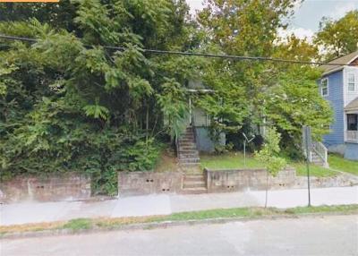 Atlanta Single Family Home For Sale: 992 McDaniels Street SW