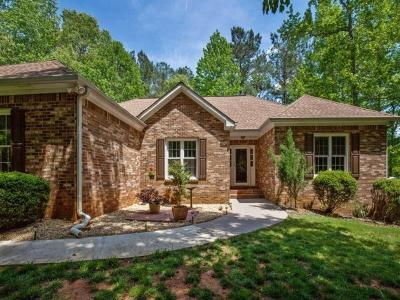 Single Family Home For Sale: 26 Creekwood Court