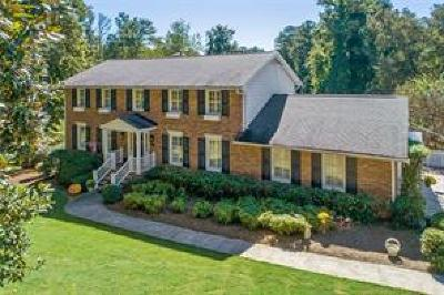 Atlanta Single Family Home For Sale: 3285 Spalding Drive