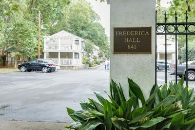 Condo/Townhouse For Sale: 841 Frededrica Street NE #22