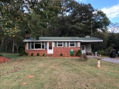 Gainesville Single Family Home For Sale: 8035 Jot Em Down Road