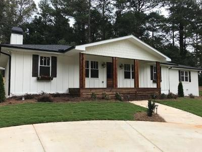 Smyrna Single Family Home For Sale: 1335 Cliffwood Drive SE