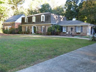 Atlanta Single Family Home For Sale: 355 Black Water Cove