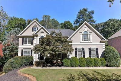 Alpharetta Single Family Home For Sale: 5215 Deerlake Drive