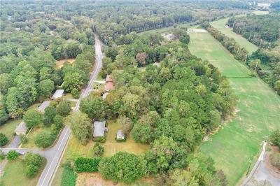 Kennesaw Single Family Home For Sale: 565 Hawkins Store Road NE
