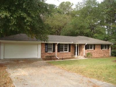 Stone Mountain GA Single Family Home For Sale: $199,900