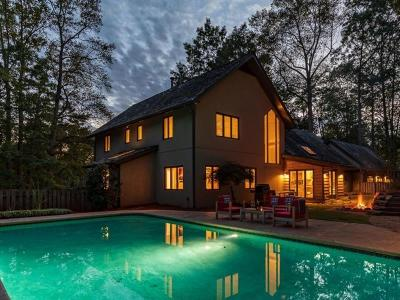 Sandy Springs Single Family Home For Sale: 205 Cliff Overlook
