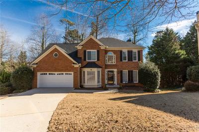 Johns Creek Single Family Home For Sale: 555 Ashleaf Place