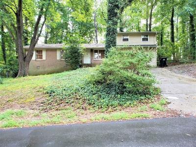Buford Single Family Home For Sale: 5871 Dolvin Lane