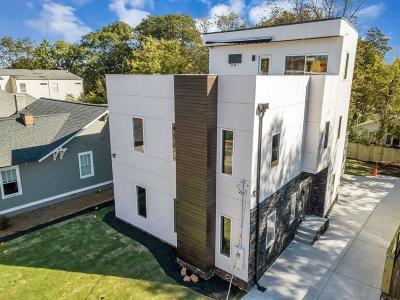 Atlanta Single Family Home For Sale: 126 Moreland Avenue SE