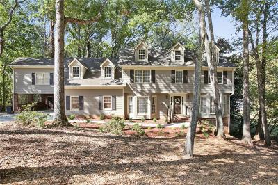 Roswell Single Family Home For Sale: 255 Waverly Hall Drive
