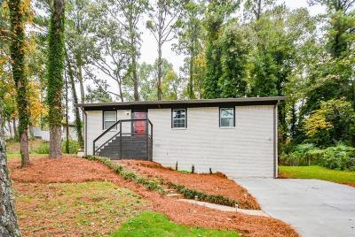Atlanta Single Family Home For Sale: 2482 Bouldercliff Way